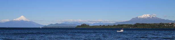 Blick auf den Vulkan Osorno und Calbuco (© Lena Labryga / Weonlandia)