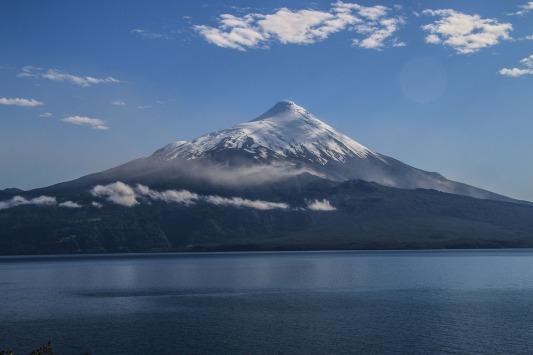 Vulkan Osorno im Morgenlicht (© Lena Labryga / Weonlandia)