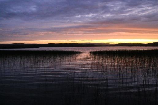 Abendstimmung an der Laguna Chaiguata - Tantauco Nationalpark (© Lena Labryga / Weonlandia)