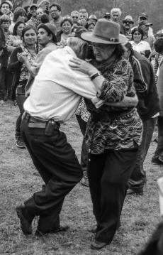 Tanzendes Paar auf den Fiestas Costumbristas (© Lena Labryga / Weonlandia)